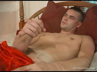 Straight Boy Caleb Beats His Meat