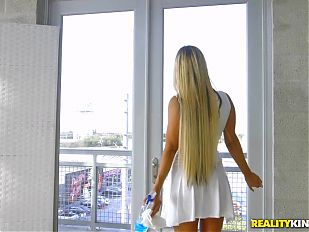 RealityKings - Banging Hot Milf